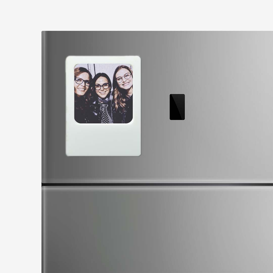 White Photo Frame Magnet